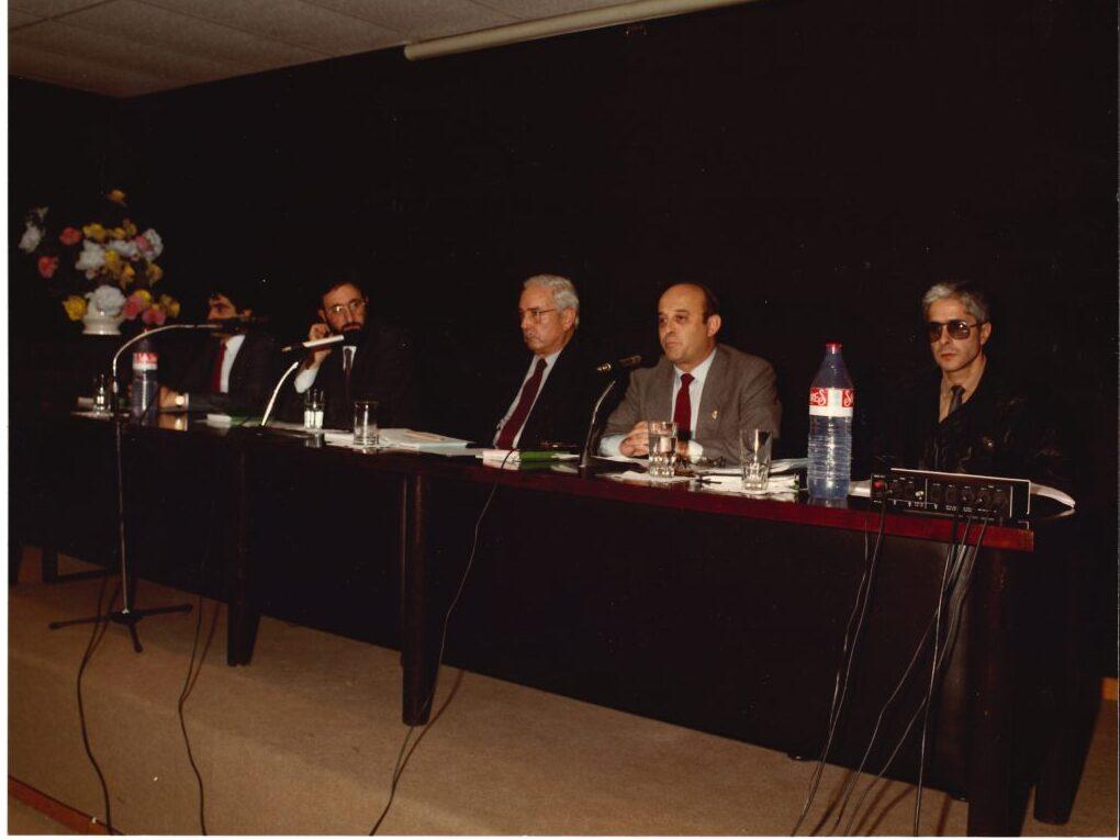 Charla explicando el IVA, en 1985