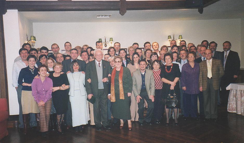 Foto de familia en el homenaje de despedida a Federico Campos por su jubilación